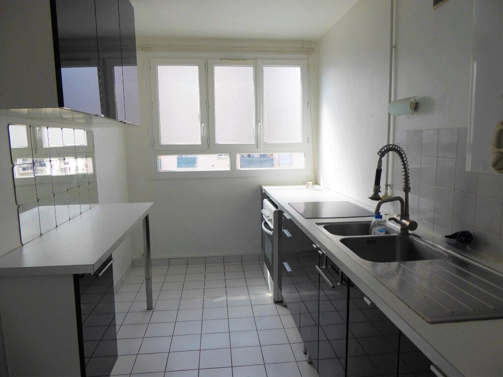 Appartement à louer 4 72.68m2 à Franconville vignette-3