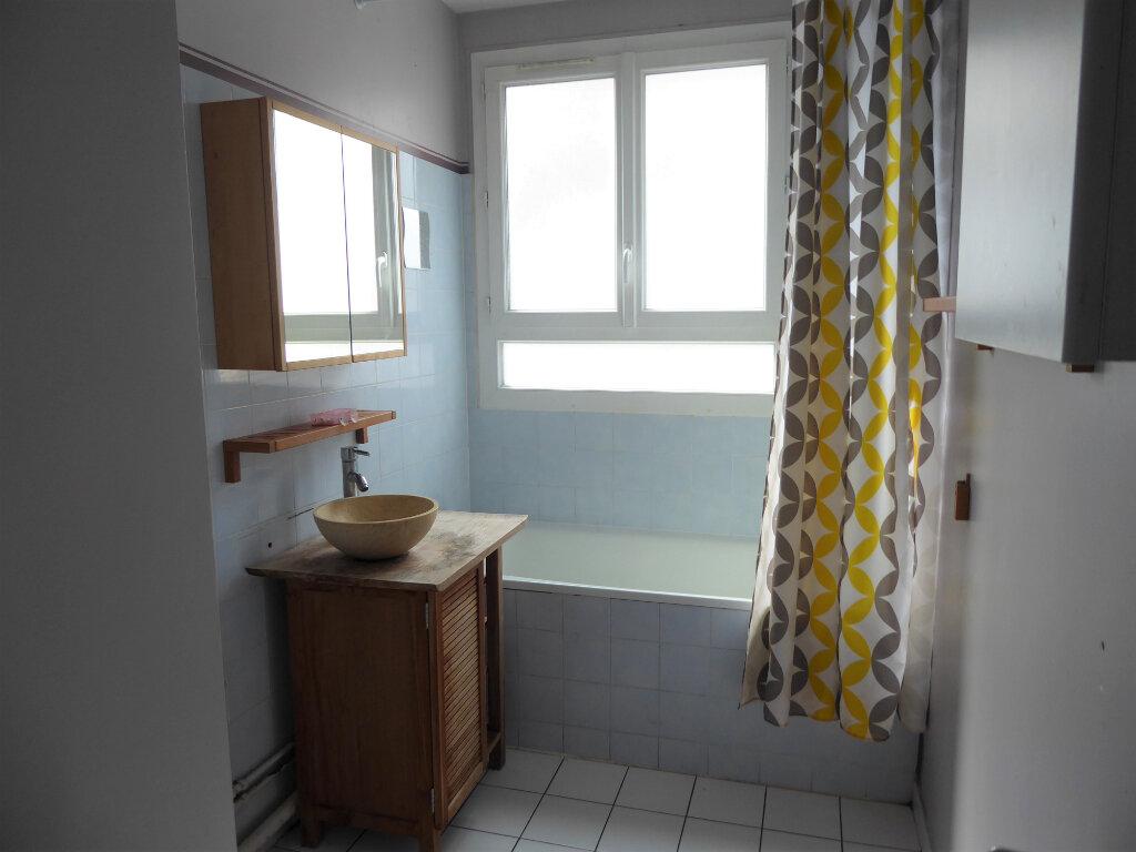 Appartement à louer 4 72.68m2 à Franconville vignette-4