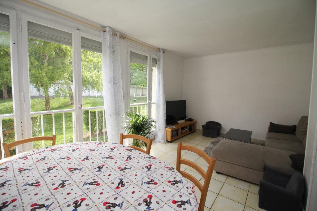 Appartement à vendre 4 61.72m2 à Franconville vignette-1