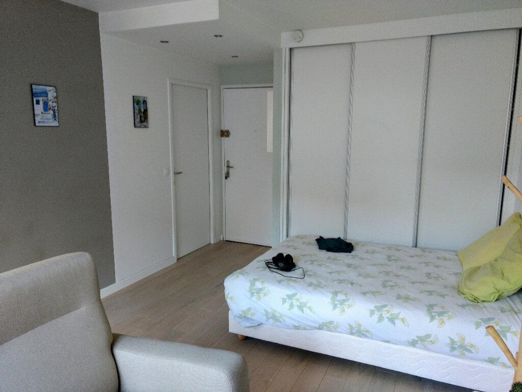Appartement à louer 1 27.8m2 à Deuil-la-Barre vignette-1