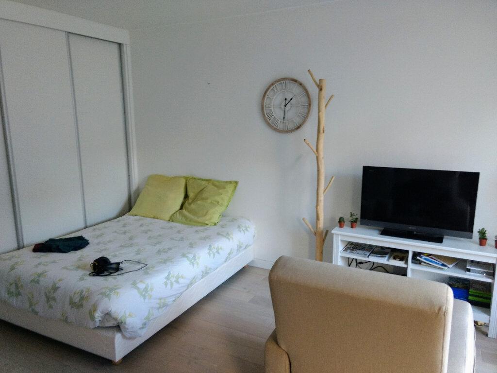Appartement à louer 1 27.8m2 à Deuil-la-Barre vignette-2