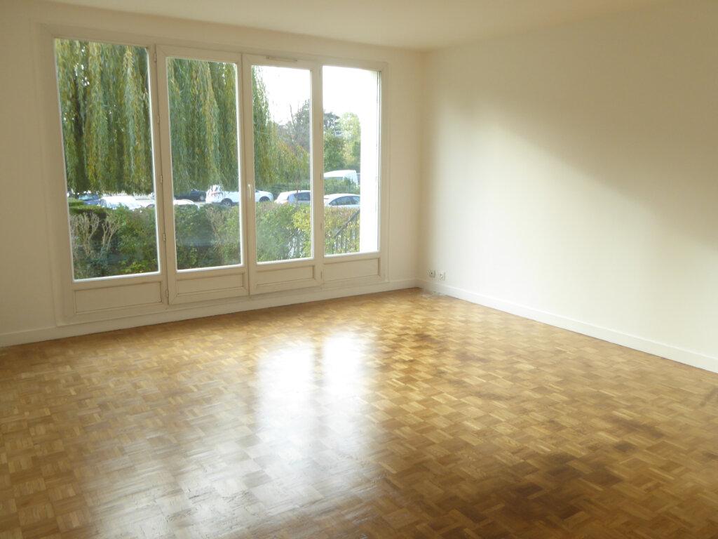 Appartement à louer 3 67m2 à Montlignon vignette-2