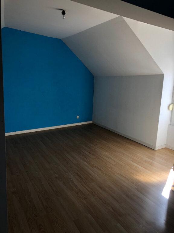 Appartement à louer 4 72m2 à Chaumont vignette-1