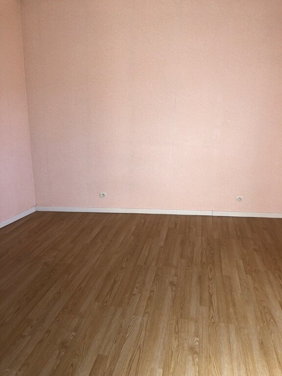 Appartement à louer 4 72m2 à Chaumont vignette-3