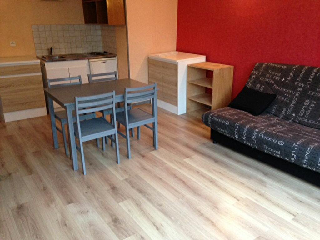 Appartement à louer 1 29m2 à Chaumont vignette-1