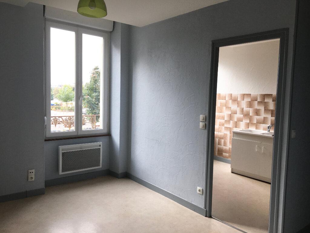 Appartement à louer 2 45m2 à Chaumont vignette-4