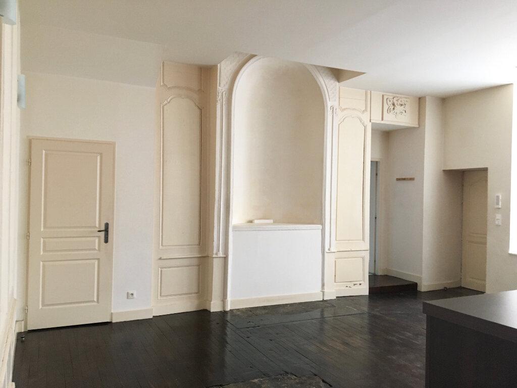 Appartement à louer 3 75m2 à Chaumont vignette-2