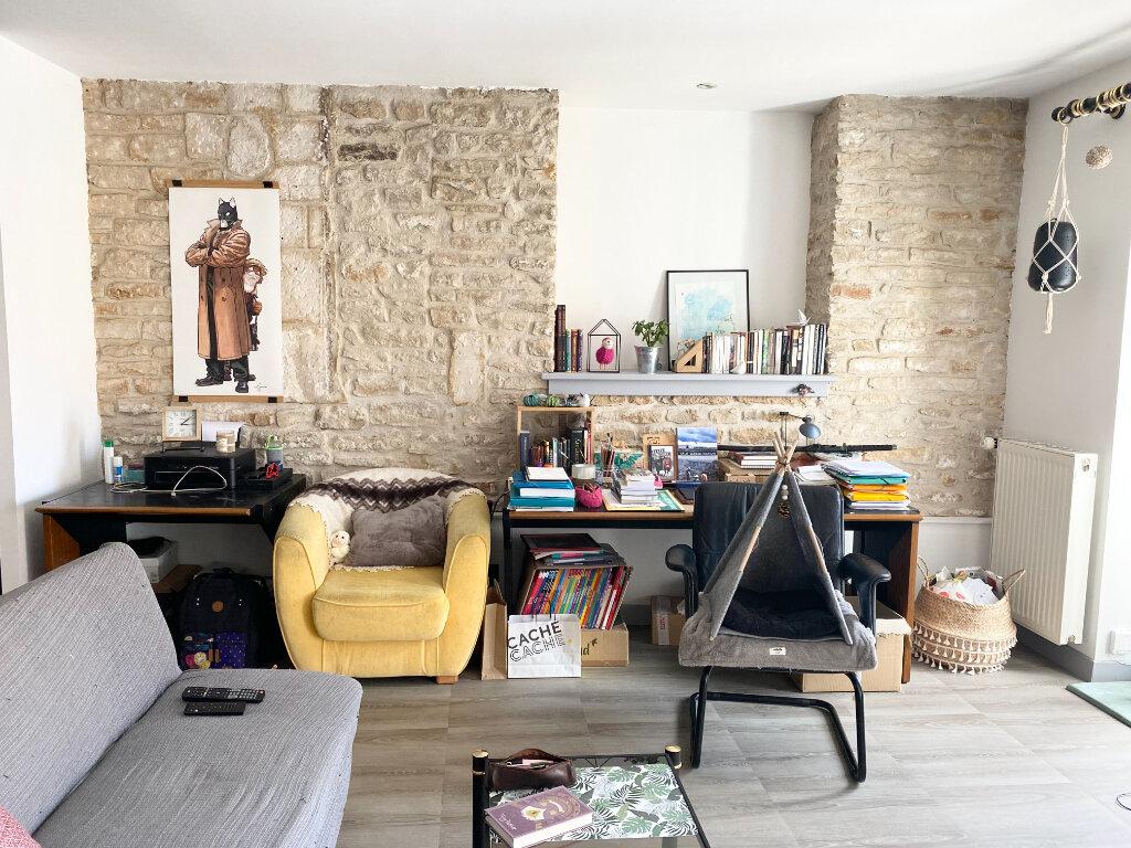 Appartement à louer 2 50m2 à Chaumont vignette-1