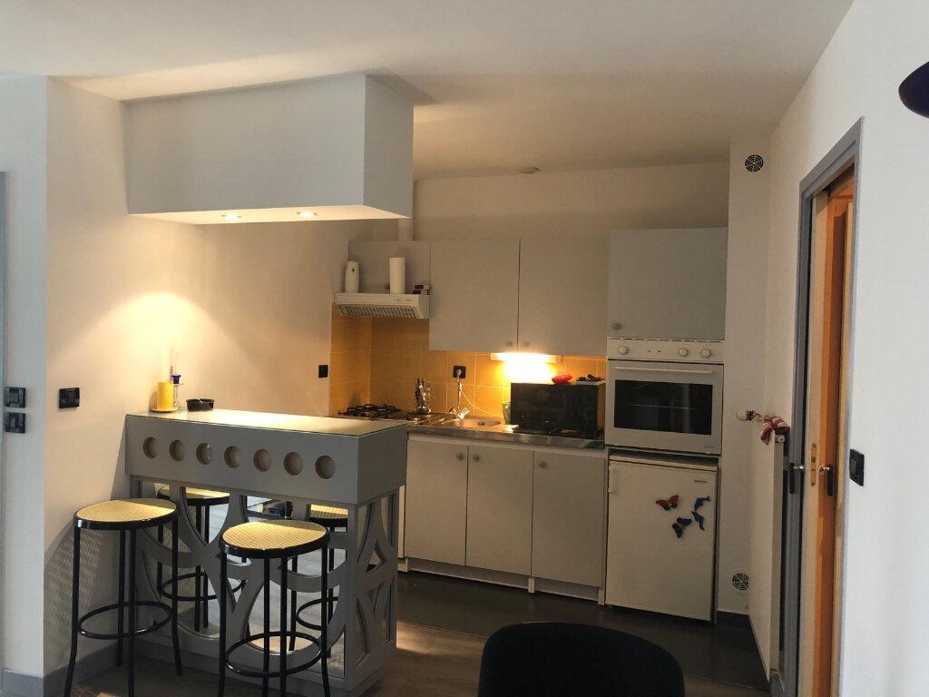 Appartement à louer 2 50m2 à Chaumont vignette-3