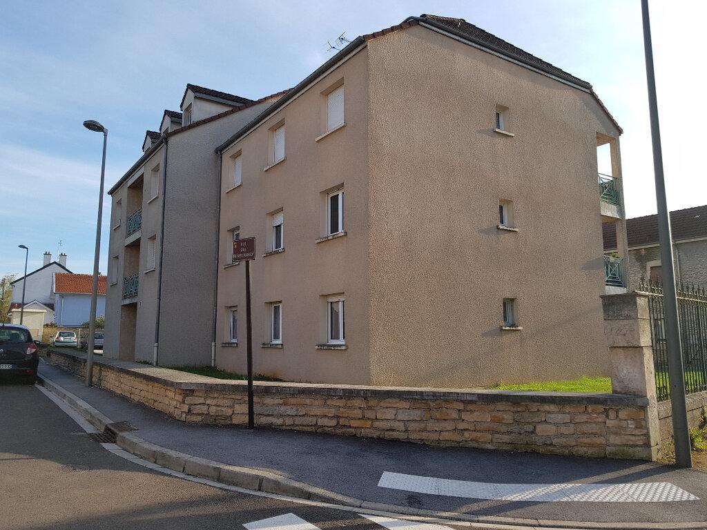 Appartement à vendre 3 69m2 à Chaumont vignette-1