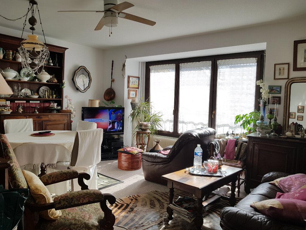 Appartement à vendre 3 68.5m2 à Chaumont vignette-1