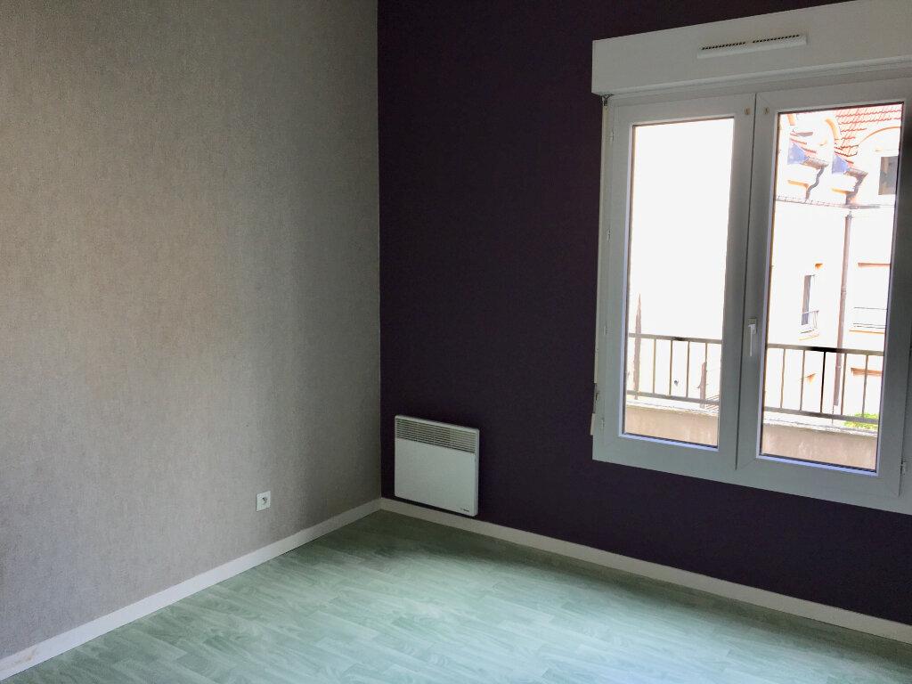 Appartement à louer 4 89m2 à Chaumont vignette-3
