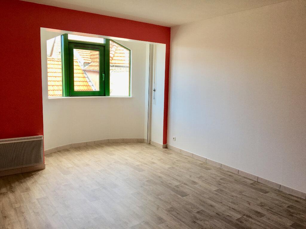 Appartement à louer 3 63m2 à Chaumont vignette-2