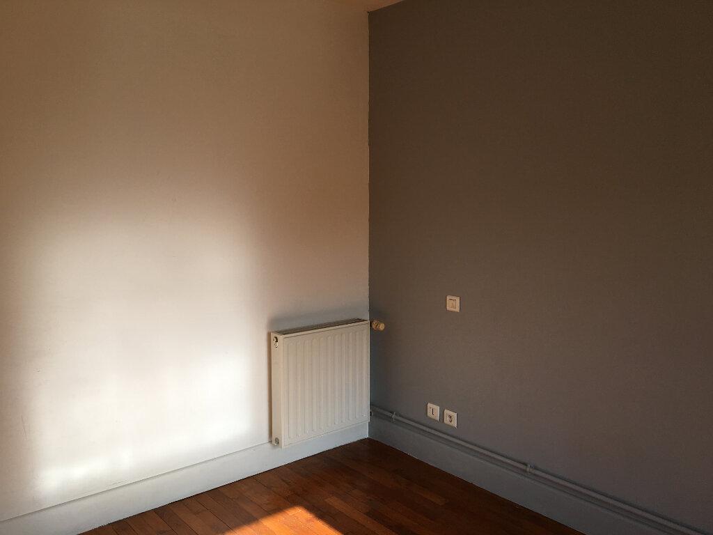 Appartement à louer 3 68m2 à Foulain vignette-3