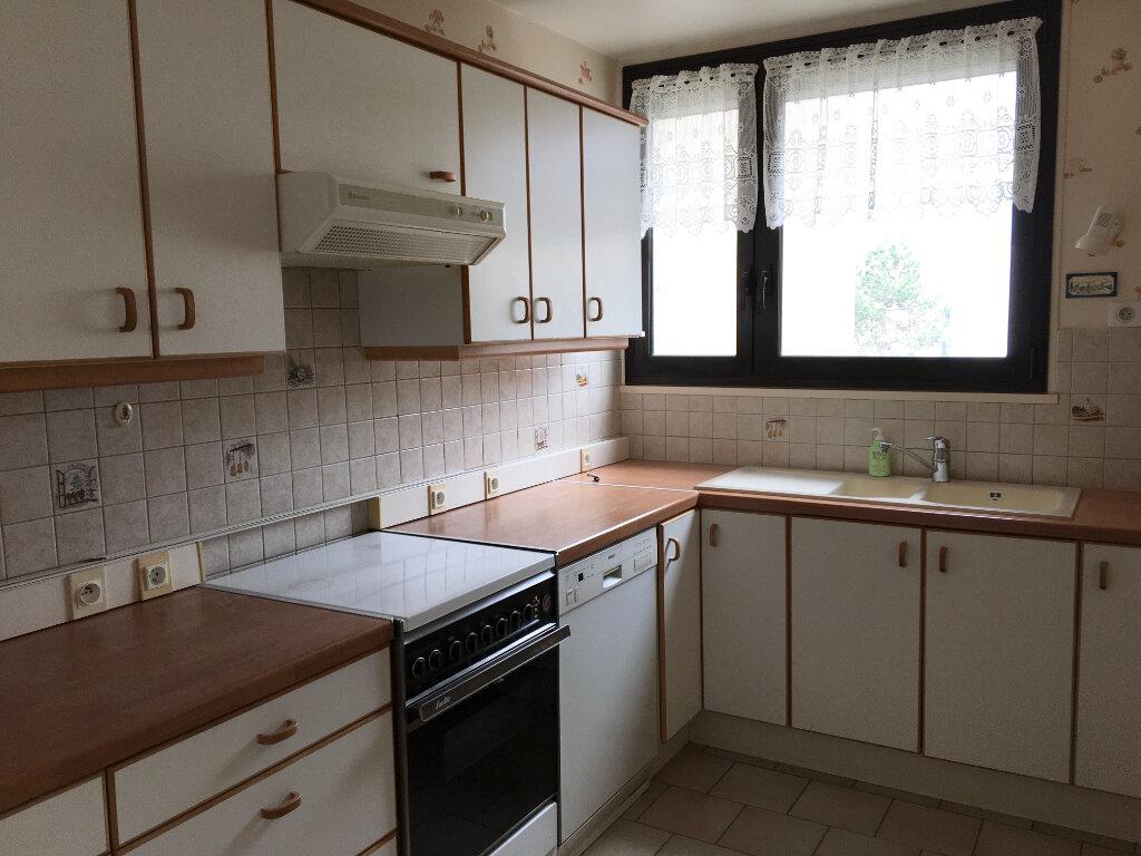 Appartement à vendre 4 85.36m2 à Chaumont vignette-3