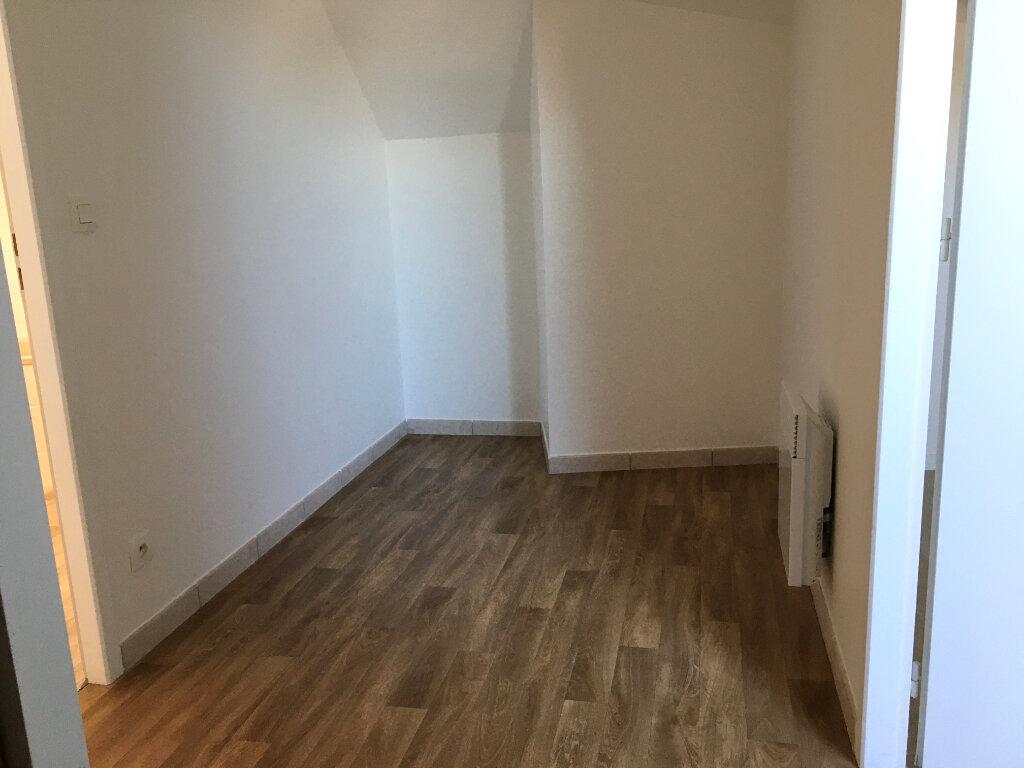 Appartement à louer 4 81m2 à Chaumont vignette-4