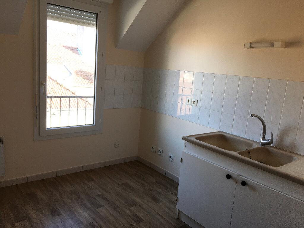 Appartement à louer 4 81m2 à Chaumont vignette-6