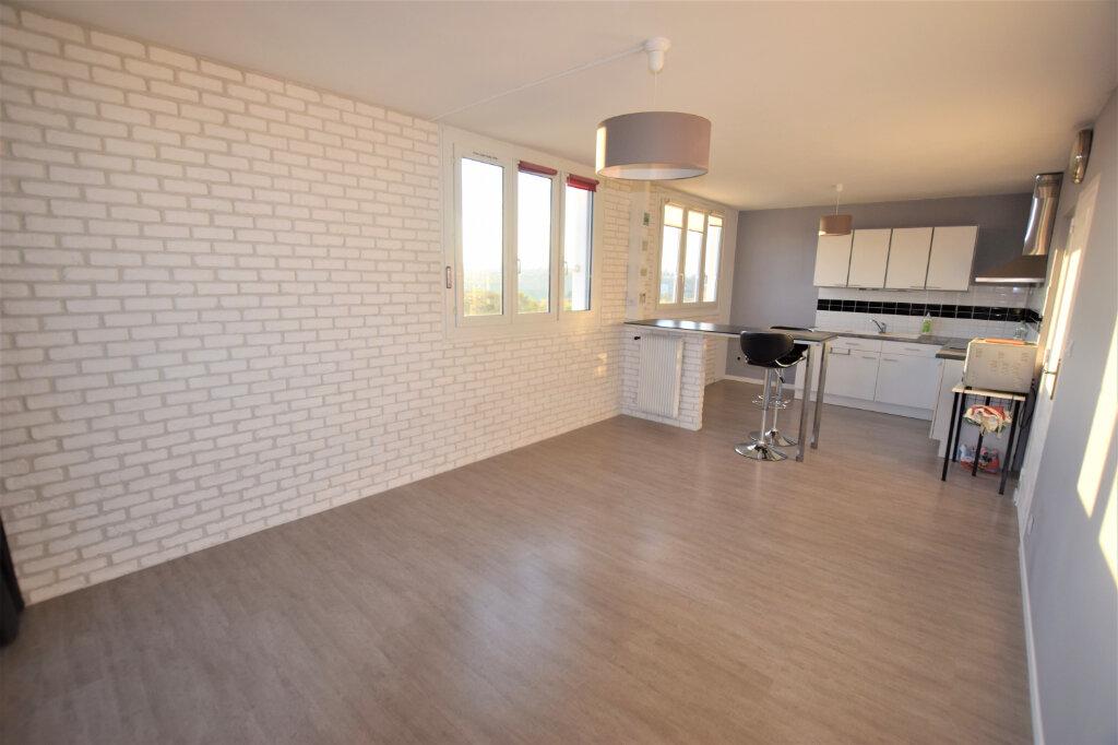 Appartement à vendre 3 65m2 à Chilly-Mazarin vignette-2