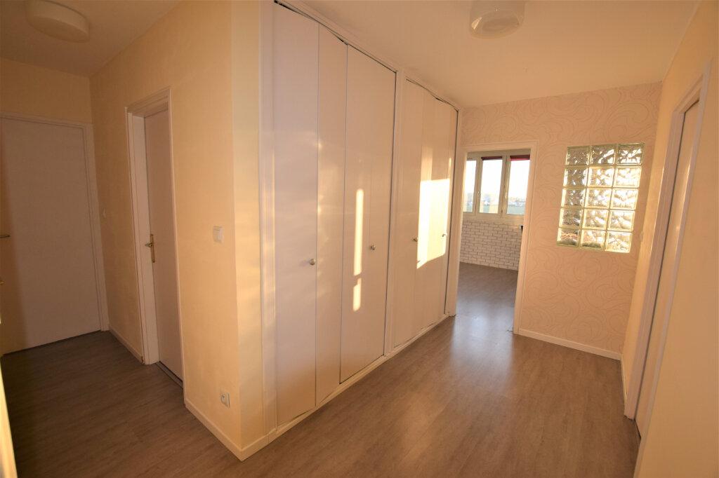 Appartement à vendre 3 65m2 à Chilly-Mazarin vignette-4