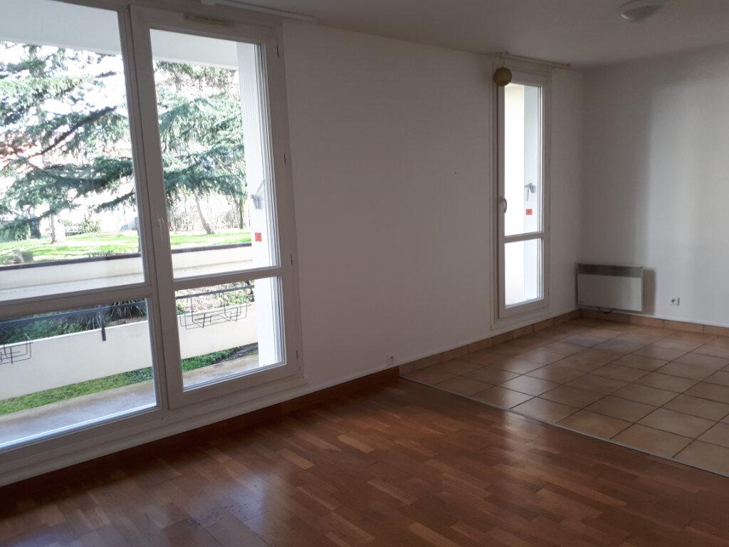 Appartement à louer 1 30.01m2 à Massy vignette-2