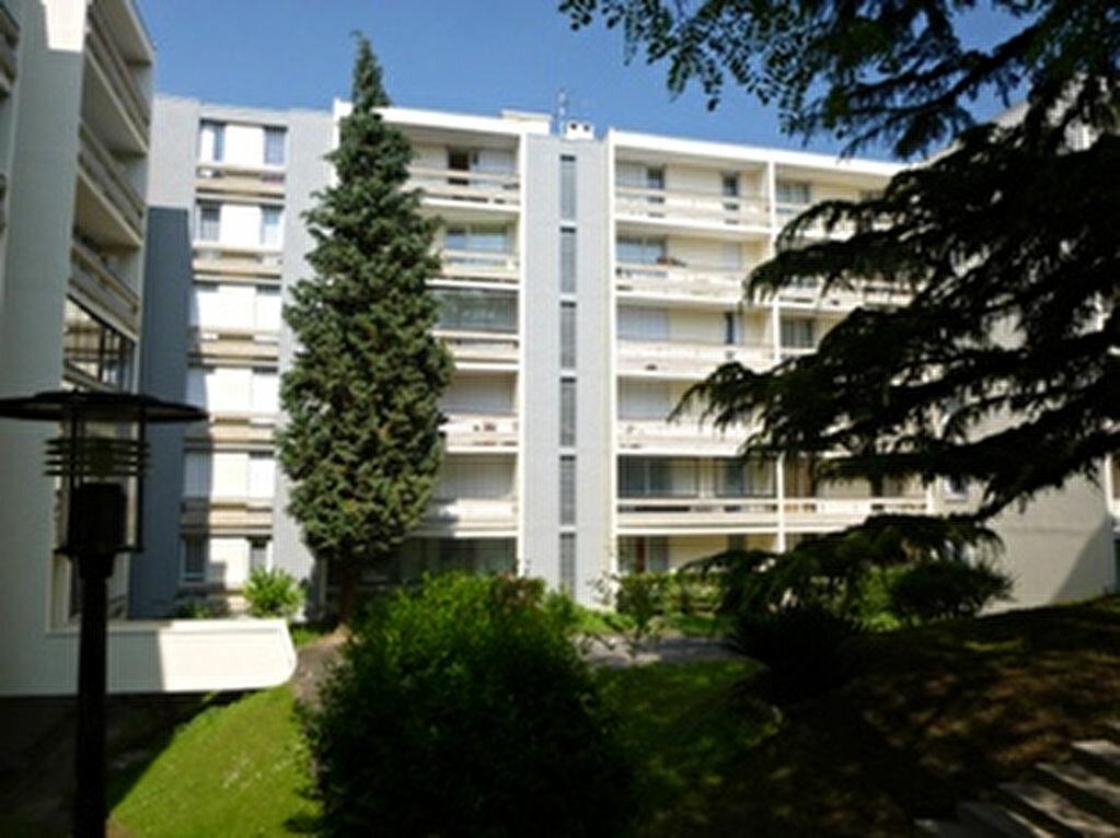 Appartement à louer 1 30.01m2 à Massy vignette-3