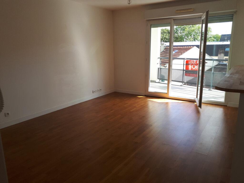 Appartement à louer 2 44.74m2 à Massy vignette-3