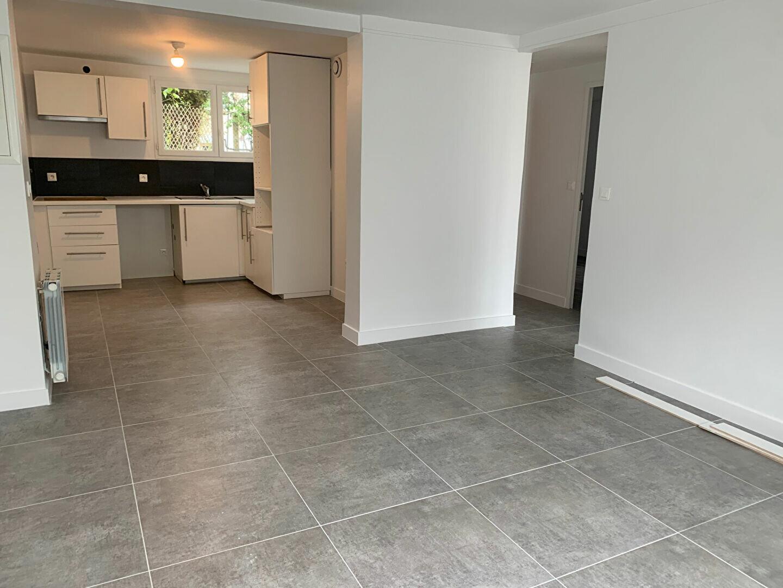 Appartement à louer 3 51.94m2 à Massy vignette-2