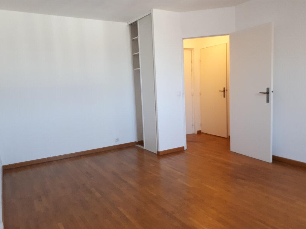 Appartement à louer 1 27.15m2 à Massy vignette-1