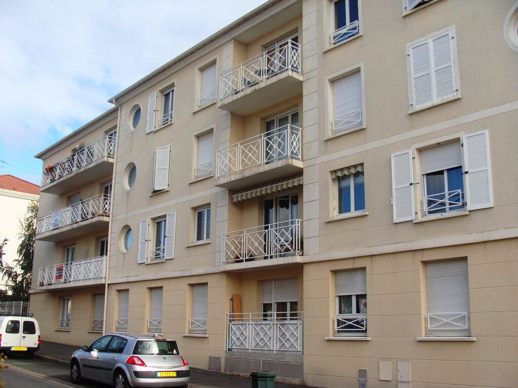 Appartement à louer 4 78.3m2 à Massy vignette-1