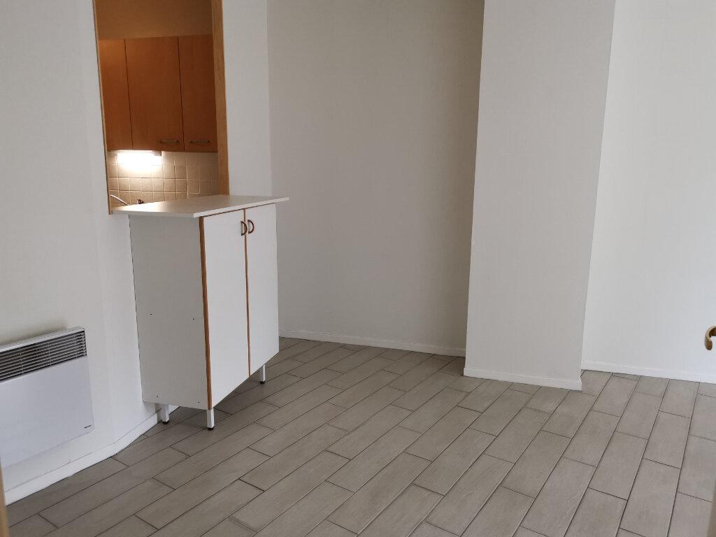 Appartement à louer 2 45.8m2 à Massy vignette-3