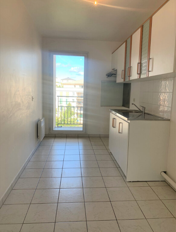 Appartement à louer 3 71.21m2 à Massy vignette-3