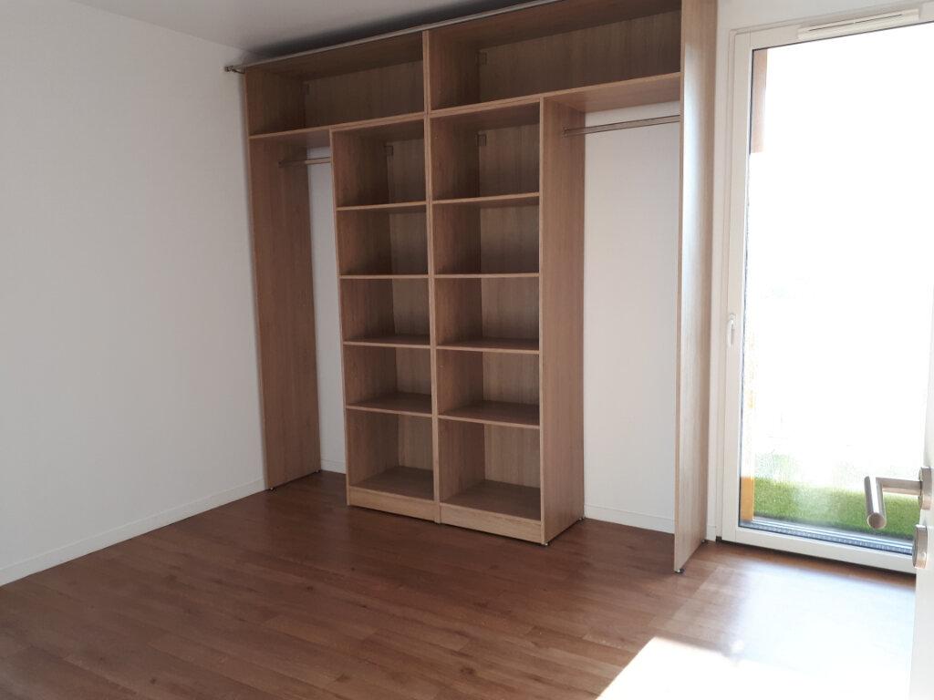 Appartement à louer 4 78.9m2 à Massy vignette-3