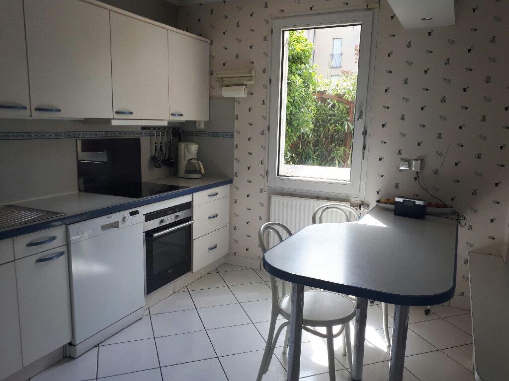 Appartement à louer 4 104.75m2 à Massy vignette-4
