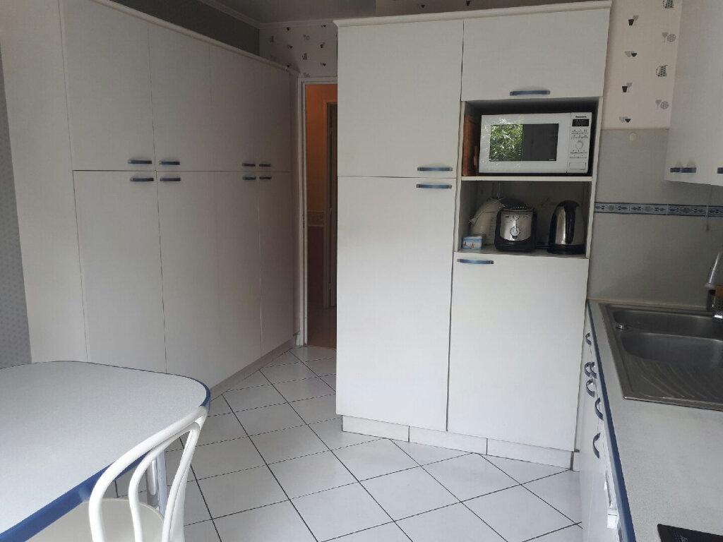 Appartement à louer 4 104.75m2 à Massy vignette-5