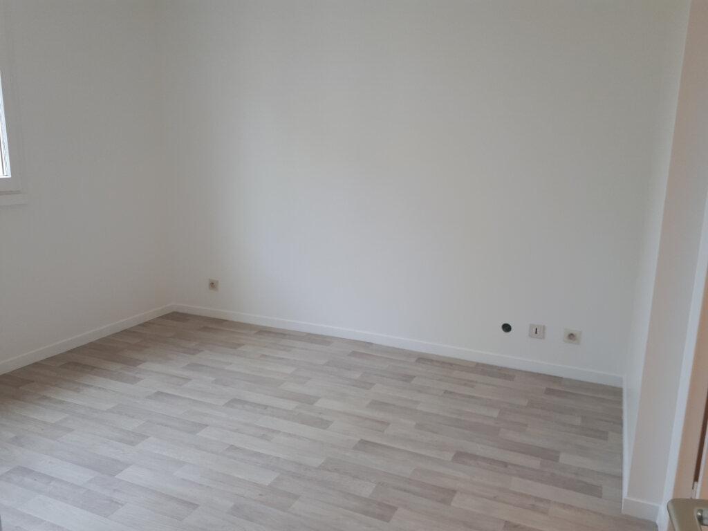 Appartement à louer 2 42.4m2 à Massy vignette-6