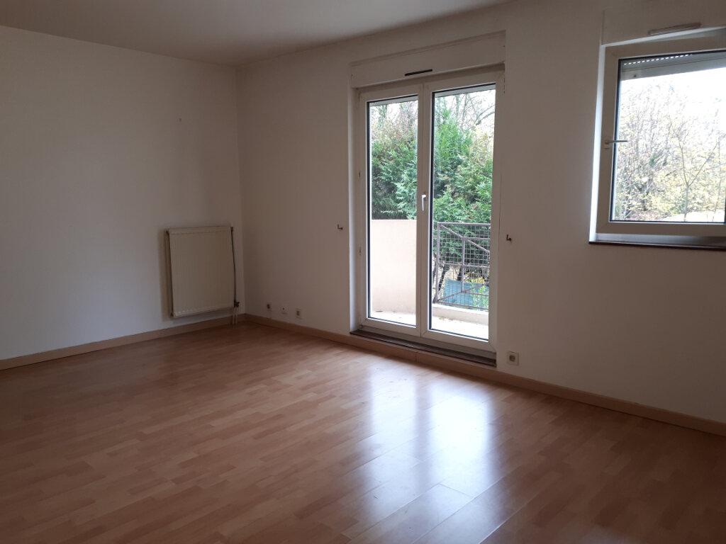 Appartement à louer 2 57.3m2 à Massy vignette-2