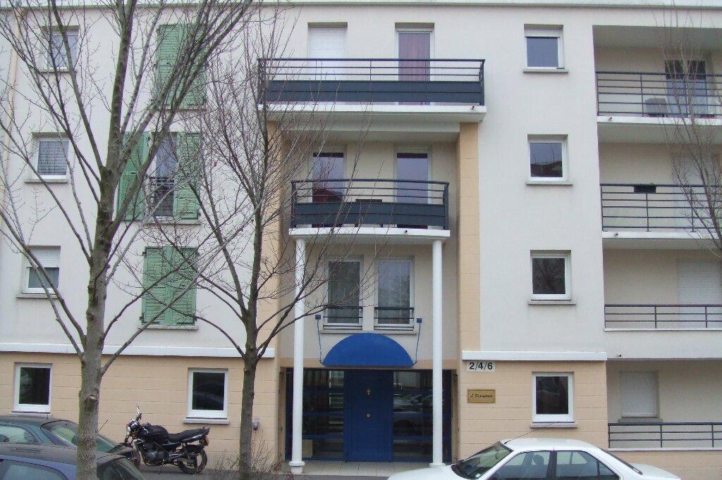 Appartement à louer 2 41.18m2 à Massy vignette-1