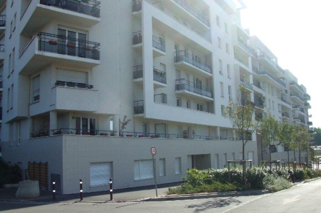 Appartement à louer 2 41.98m2 à Massy vignette-1