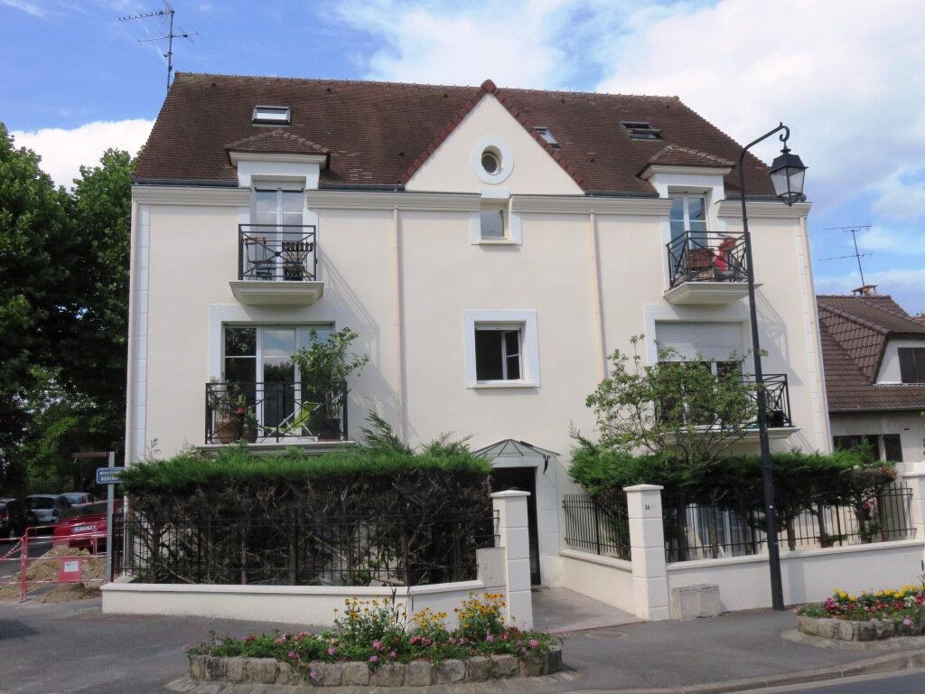 Appartement à louer 1 26m2 à Villecresnes vignette-1