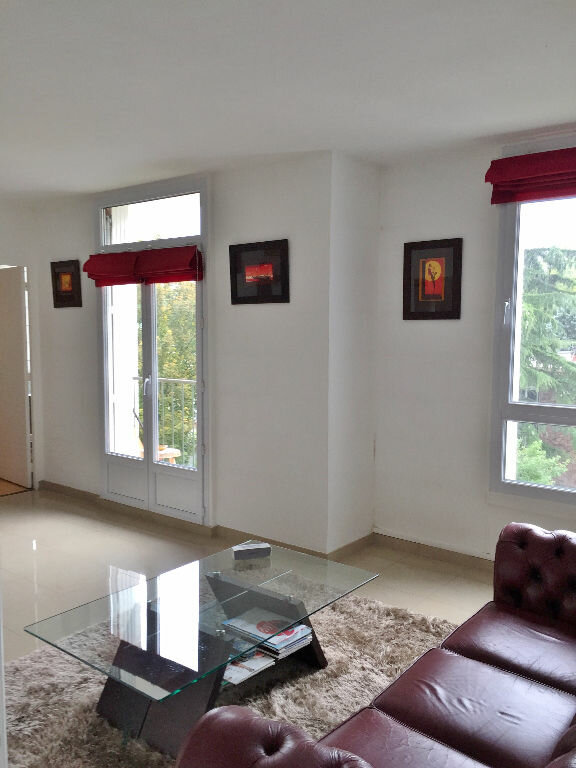 Appartement à louer 3 56.04m2 à Yerres vignette-1