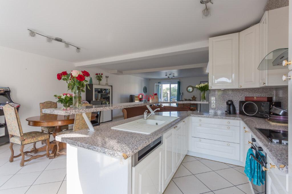 Maison à vendre 8 135m2 à Villecresnes vignette-2