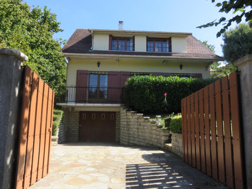 Maison à vendre 5 115m2 à Villecresnes vignette-1