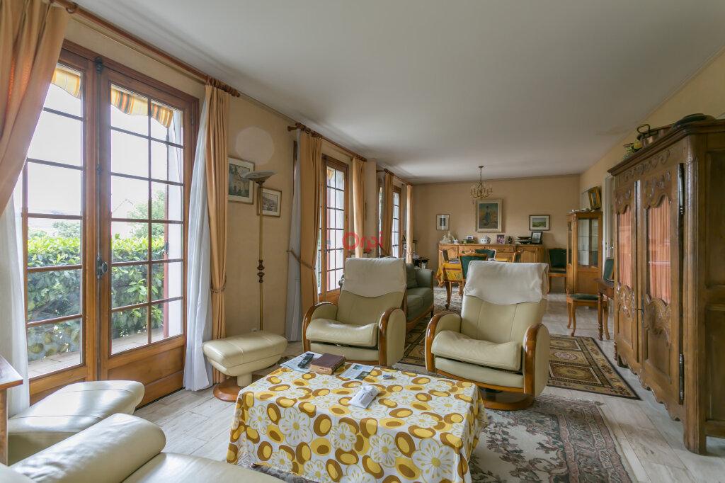Maison à vendre 5 115m2 à Villecresnes vignette-2