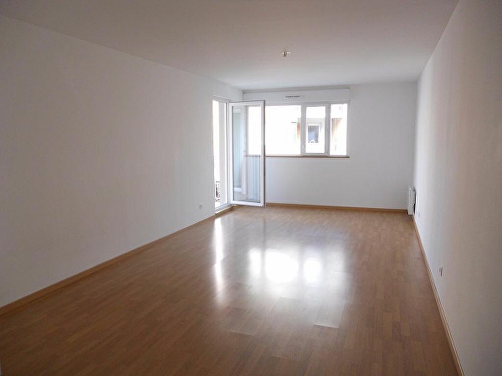 Appartement à louer 3 66.51m2 à Crosne vignette-1