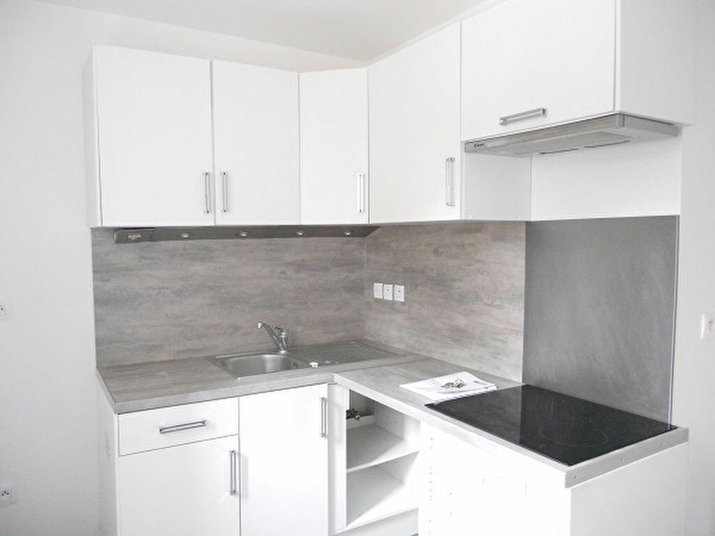 Appartement à louer 3 66.51m2 à Crosne vignette-2