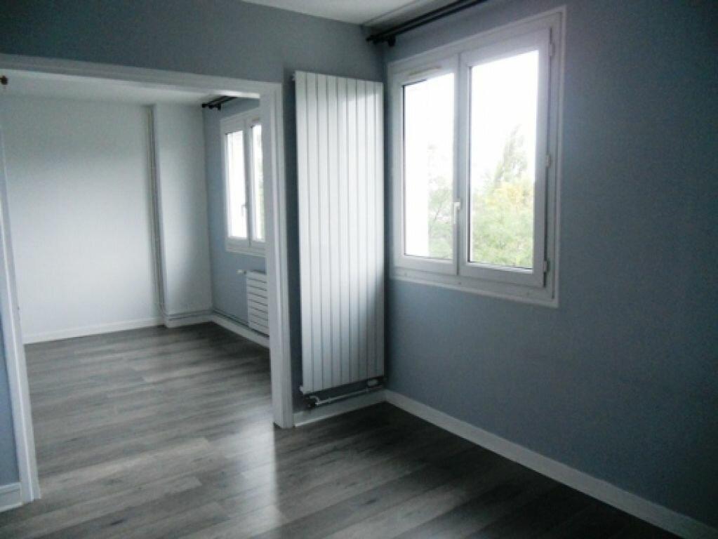 Appartement à louer 3 49.26m2 à Maisons-Alfort vignette-1