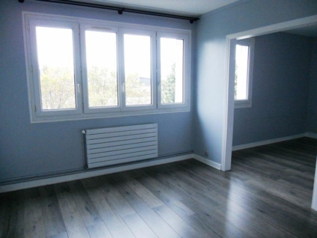 Appartement à louer 3 49.26m2 à Maisons-Alfort vignette-3