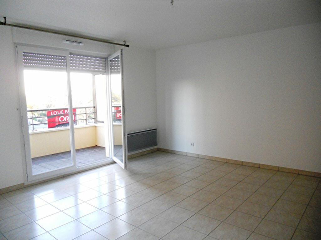 Appartement à louer 2 49.93m2 à Vigneux-sur-Seine vignette-1
