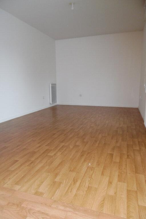 Appartement à louer 2 39.91m2 à Yerres vignette-3