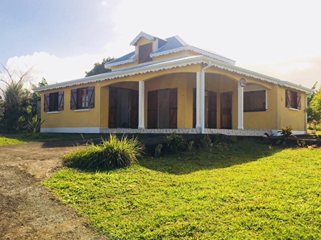 Maison à louer 5 90m2 à Capesterre-Belle-Eau vignette-1